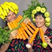 Je continuerais à me nourrir de manière végétarienne même si le monde entier commençait à manger de la viande. Cela est mon opposition à l'ère atomique, la famine, la cruauté - nous devons lutter contre. Mon premier pas est le végétarisme et je pense que c'est un grand pas.
