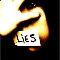Le mensonge  est  lâche  et flatteur. La  vérité  est audacieuse et blessante.