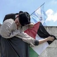 L'amour ne connaît pas de frontière, car il est universel.