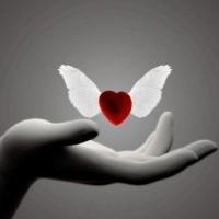 L'amour est divin, il descend du ciel acheminé par les anges.