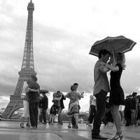 L'amour! Si on n'est pas heureux de sa présence, on sera malheureux de son absence.